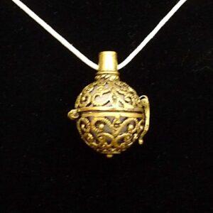Bijou olfactif couleur bronze Sphère vintage