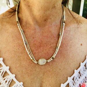 Bracelet Collier féminité sublimée en Pierre de Lune