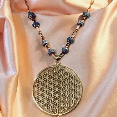 Pendentif Fleur de vie collier perles en céramique