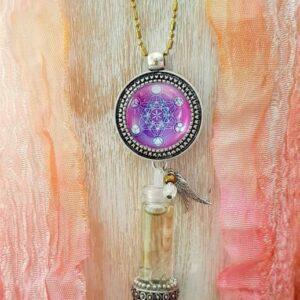 pendentif bijou énergétique cube de Métatron et son flacon de synergie vibratoire