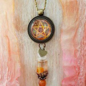 pendentif bijou énergétique pentagramme et son flacon de synergie vibratoire