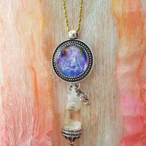 pendentif bijou énergétique wesack et son flacon de synergie vibratoire