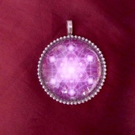 Médaillon énergétique vibratoire cube de Métatron violet activation spirituelle