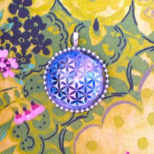 médaillon énergétique vibratoire fleur de vie force intérieure