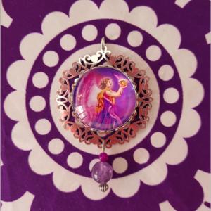 médaillon énergétique flamme violette améthyste