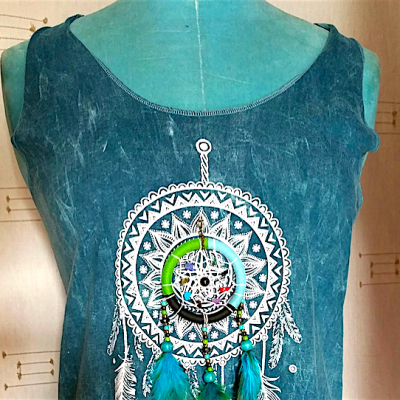 Tee shirt bleu femme chamane catch dream attrape rêve plumes