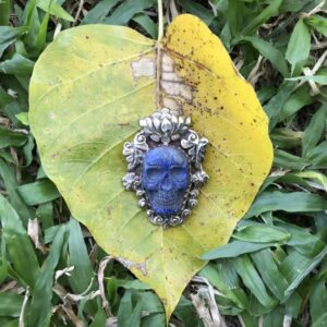 Pendentif crâne lapis lazuli